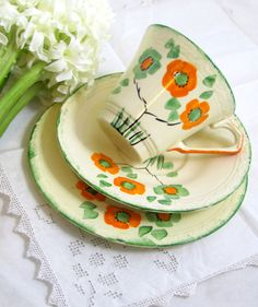 made by J&G Meakin of Hanley in Stoke-on-Trent in the - Art Deco Trio Hand-painted Orange & Spring Green by keepsies Vintage Crockery, Vintage China, Teapots And Cups, Teacups, China Tea Sets, Shabby, Spring Green, Tea Cup Saucer, High Tea