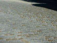 terrasse en pavés de granit coloré
