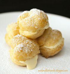 Easy Cream Puffs (fill with: 3.5 oz instant vanilla pudding, 1 c cream, 1/2 c milk) Cream Puff Filling, Cream Puff Recipe, Profiteroles, Eclairs, Churros, Empanadas, No Bake Desserts, Just Desserts, Delicious Desserts