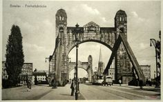 Most Grunwaldzki (Kaiser Brücke, Freiheit Brücke), Wrocław - 1935 rok, stare zdjęcia Bridge Engineering, Star Wars, Old Photographs, Kaiser, Warsaw, Tower Bridge, Brooklyn Bridge, Poland, The Good Place