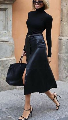 Fashion Mode, Work Fashion, Fashion Looks, Womens Fashion, Style Fashion, Fashion Black, Ladies Fashion, Leather Fashion, City Fashion