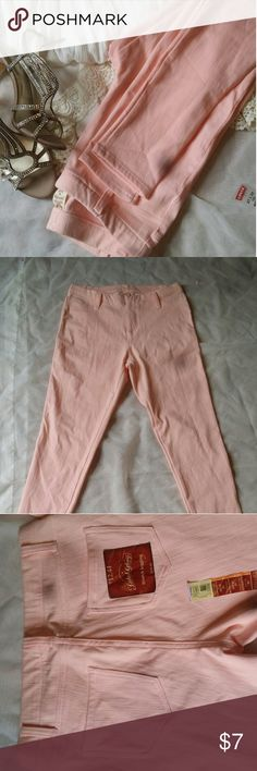 No Boundary pale pink Jegging NWT No Boundary pale pink Jegging. Very stretchy and soft. Looks great with a lace shirt and heels! Size medium. No flaws. Reasonable offers accepted. :) No Boundaries Pants Leggings