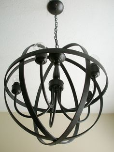 DIY orb chandelier - using embroidery hoops Orb Chandelier, Farmhouse Chandelier, Chandeliers, Entryway Chandelier, Chandelier Ideas, Foyer, Light Fittings, Light Fixtures, Home Decor Furniture