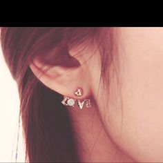 Love Earrings!! Want!!