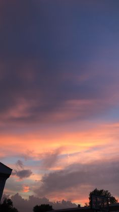 749 best sky aesthetic images in 2019 Sky Aesthetic, Aesthetic Images, Aesthetic Backgrounds, Aesthetic Iphone Wallpaper, Aesthetic Photo, Aesthetic Wallpapers, Sunset Wallpaper, Images Wallpaper, Tumblr Wallpaper