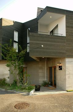外観事例:ケローナ通り沿いの住宅 / 外観4(『ケローナ通り沿いの住宅』 〜 街並みに調和する2種類の外壁 〜)
