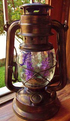 Lampião  ou LANTERNA RURAL... aqui na MULTILUZES você encontra IN NATURA.... linda peça para decoração....