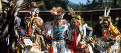 First Nations pow wow . Native American Regalia, Native American Beauty, Native American History, American Art, Native Child, Indian People, Spring Resort, Powerful Images, Pow Wow