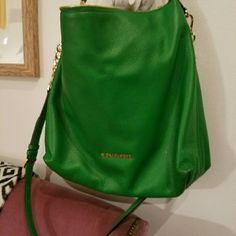 """MICHAEL KORS GORGEOUS GREEN Bag Authentic Michael Kors green crossbody/ shoulder bag. This bag is a show stopper. Very unique green leather color, with beautiful fringe zipper, removable strap with gold embellishments. Very spacious, with internal pockets and key holder. Length 13"""", height 14"""". Sold as is. Michael Kors Bags Crossbody Bags"""