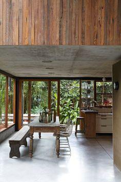 Une salle à manger qui mixe les styles etouverte sur la nature - Marie Claire Maison