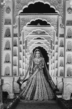 Welcome to India♡ — viyahshaadinikkah: Photography: Joseph Radhik Desi Bride, Desi Wedding, Punjabi Wedding, Wedding Decor, Wedding Garlands, Sikh Bride, Wedding Ideas, Farm Wedding, Wedding Couples