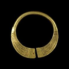 ancient-serpent:Gold brooch hoop, Early Medieval, 7th century AD, Probably from Wales (British Museum)