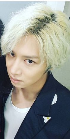 Everytime I feel down, looking at this face makes me feel better.. I love you Kim Heechul