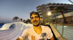 Nuestro amigo Guindo (Guillermo Toledo) que fue monitor del #FlowRider montado en #Dock39 #Zaragoza lió a Nacho_Caribbean para probar el #FlowBarrel  Una nueva experiencia cargada de #adrenalina y mucha diversión en esta ola artificial montada en el #WaveHouseMallorca