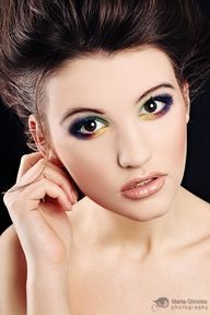 Cutee colorful eyelining