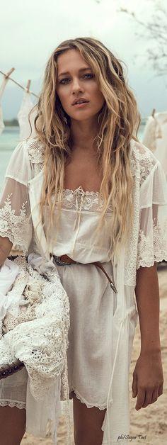 ╰☆╮Boho chic bohemian boho style hippy hippie chic bohème vibe gypsy fashion indie folk the . Style Hippie Chic, Gypsy Style, Bohemian Style, Bohemian Beach, Ibiza Look, Look Boho, Boho Gypsy, Hippie Boho, Boho Chic