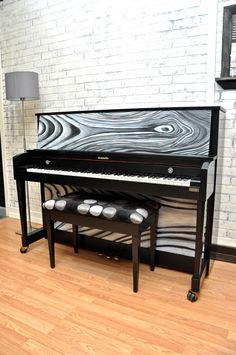 Awesome polka dots piano bench http://pinterest.com/cameronpiano