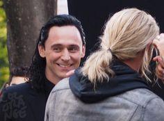 Tom Hiddleston and Chris Hemsworth on the set Thor: Ragnarok in Brisbane. Via Torrilla