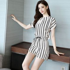 Hot Product Women's Set Female Short Sleeve Top And Shorts Set Fashion O-Neck Striped Print Shirt Mini Dresses For Women, Clothes For Women, Maxi Dress With Sleeves, Short Sleeve Dresses, Female Shorts, Loose Shorts, Millenial Fashion, Fashion Top, Fashion Clothes