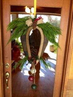 Horse collar wreath