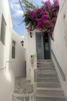 REMEMBERING THE SUMMER-NAXOS ALLEYS... - Naxos, Kyklades