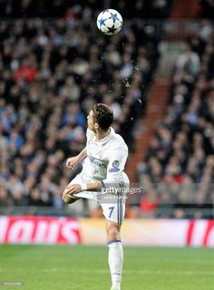 Real Madrid Cf V Ssc Napoli Uefa Champions League Round Of 16 First Leg Stock Pictures, Royalty-free Photos & Images Cristiano Ronaldo Goals, Ronaldo Soccer, Cristano Ronaldo, First Football, Football Love, Football Fans, Real Madrid, Portugal National Football Team, Champions League Football