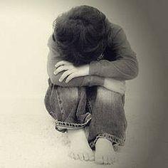 Tome cuidado com os fracassos e frustrações. Tome cuidado com as frustrações e fracassos ao mergulhar nas fantasias da vida. Esta sensação de incapacidade mal administrada prejudica a qualidade de vida e leva à depressão e ansiedade. Não deixe as frustrações dominar você, domine-a. Faça dos erros uma oportunidade para crescer. Na vida, erra quem não sabe lidar com seus fracassos. Abrir caixas, cestas e pacotes aos poucos é mergulhar na fantasia... A vida e o futuro são essas...