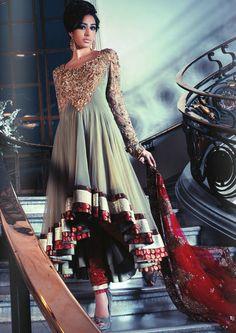 Indian/Pakistani Fashion my-style Pakistani Couture, Indian Couture, Pakistani Outfits, Indian Outfits, India Fashion, Ethnic Fashion, Asian Fashion, Look Star, Desi Clothes