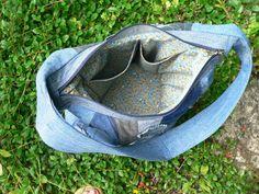 džínová patchworková taška / Zboží prodejce imodes | Fler.cz Fanny Pack, Gym Bag, Bags, Scrappy Quilts, Hip Bag, Handbags, Waist Pouch, Belly Pouch, Bag