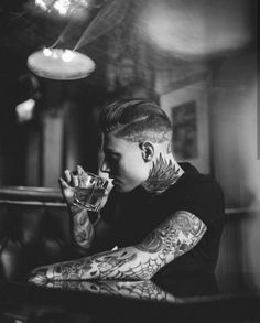 It's a Man's World tattoo ideas for guys Photography Filters, People Photography, Creative Photography, Japanese Dragon Tattoos, Japanese Tattoo Art, Hipster Bart, Barcode Tattoo, Herren Style, Cool Tattoos For Guys