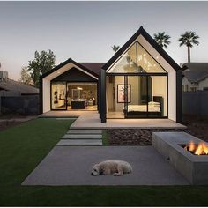 House Extensions: Amazing Small Home Renovation In Phoenix Architecture Beast Modern Barn House, Modern House Design, Home Roof Design, Barn House Design, Simple House Design, Minimalist House Design, Modern Cottage, Casas Containers, Home Fashion