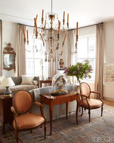 Southern Exposure: A New York Apartment by Courtnay Daniels Haden Perhaps it's not surprising that when a couple of Virginia transplants move into a SoHo loft, more than a touch of gentility comes along as well ...