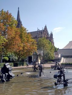 Katja Schmitt | A Day Trip to Basel | Tagestour nach Basel | Tinguely Brunnen, Fountain