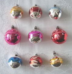 Selection of nine vintage decorated glass Christmas tree baubles / ornaments, c.1950s (SOLD) - www.vanishederas.com