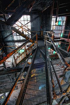 again with the abandoned factory setting. its like a piece of architecture in its most raw form. Abandoned Buildings, Abandoned Places, Haunted Places, Abandoned Factory, Abandoned Warehouse, Urban Photography, Urban Decay, Street Art, Beautiful Places