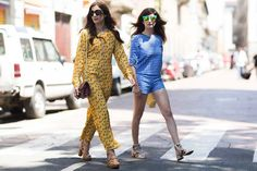 Pin for Later: Looks to Inspire Your Best Dressed Summer Yet Eleonora Carisi and Valentina Siragusa made a case for summery matching sets. Street Style Summer, Street Style Looks, Denim Jumpsuit, Overalls, Elle Mexico, Vogue, Next Clothes, Mens Fashion Week, Rompers Women