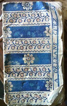 à Paris chez Antoinette Poisson: Le papier dominoté