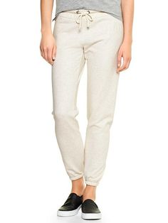 b3001e813 Gap factory oatmeal sweats, grey tee, black slipons Gap Logo, Gap Outfits,