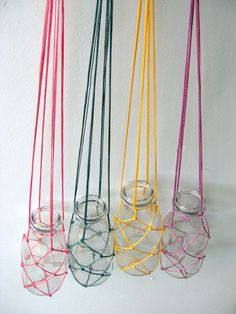 Four Small fishing net and macrame plant hanger with glass bottle - flower hange. - diy - do it yourself - Macrame Macrame Art, Macrame Projects, Macrame Knots, Macrame Plant Holder, Plant Holders, Tshirt Garn, Macrame Patterns, Hanging Plants, Glass Bottles