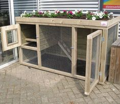 Chicken coop with planter → Dierencompleet. Rabbit Hutch Plans, Rabbit Hutches, Rabbit Life, Rabbit Run, Bunny Cages, Rabbit Cages, Backyard Farming, Chickens Backyard, Rabbit Habitat