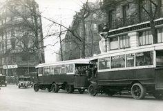 trafic paris | Street traffic in Paris in 1927 | Paris d'hier | Pinterest