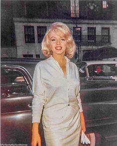 Endless beautiful pics of Marilyn Monroe Marylin Monroe, Marilyn Monroe Photos, Marilyn Monroe Clothes, Rare Photos, Photos Du, Event Photos, Classic Hollywood, Old Hollywood, Hollywood Actresses