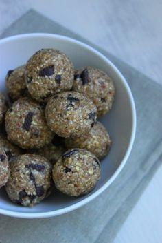 Boulettes énergétiques façon pâte à cookie {Oatmeal cookie dough bites}  #vegan #healthy