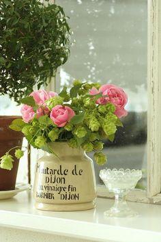 love this jar vase