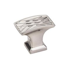 This satin nickel finish cabinet knob with crossed line design is a part of the Aberdeen Series from Jeffrey Alexander. A perfect blend of craftmanship in traditional and contemporary design to complement any decor.