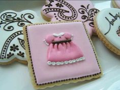 Decorative Baby Girl Cookies http://www.bumpsmitten.com/2011/10/baby-shower-idea-fancy-cookies.html