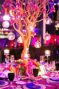 branches, candle lit and blooms ~ Photo: Studio Webber, Floral Design: Tantawan Bloom | bellethemagazine.com