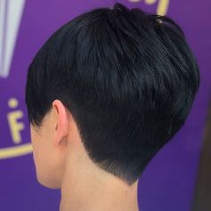 Best Short Pixie Hairstyles 2018 - The UnderCut Very Short Pixie Cuts, Best Pixie Cuts, Short Layered Haircuts, Short Hair Cuts, Pixie Hair Color, Blonde Pixie Hair, Pixie Hairstyles, Hairstyles 2018, Medium Hair Styles
