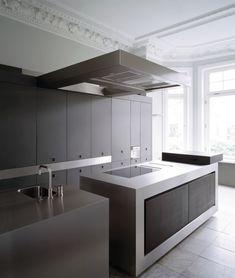 reforma cocina, vivienda rehabilitada, islas para fregadero y zona de cocción, módulo empotrado para electrodomésticos ocultos y zona almacenaje