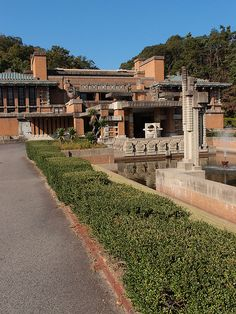 Imperial Hotel, Tokyo, by Frank Lloyd Wright Architecture Images, Organic Architecture, Historical Architecture, Amazing Architecture, Lego Architecture, Frank Lloyd Wright Buildings, Frank Lloyd Wright Homes, Falling Water Frank Lloyd Wright, Imperial Hotel